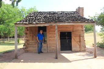 El Capote Cabin (1838)