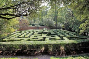 Maze at Governor's Palace