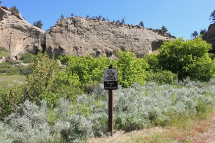 Sign along trail to Pictograph Cave