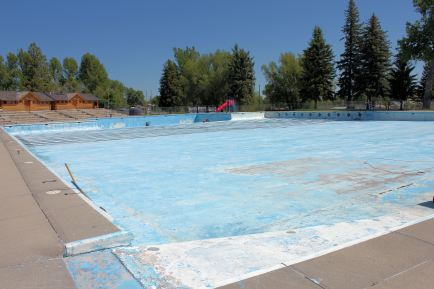 World's largest swimming pool (unfilled)