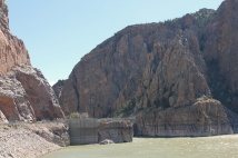 Front view of Buffalo Bill Dam