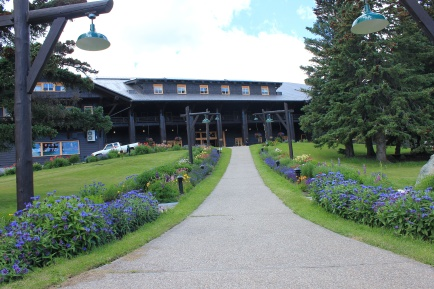 Entrance to Glacier Park Lodge