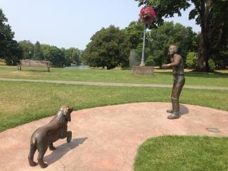 Sculpture at Lake Sacajawea Park