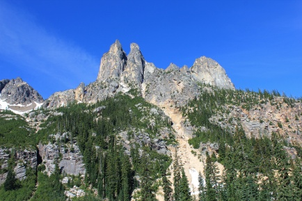 View of the Cascade peaks