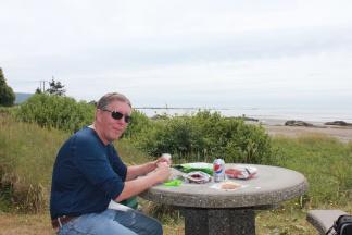 Picnic lunch at Hobuck Beach