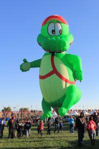 Alligator balloon