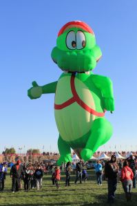 Alligator balloon