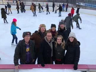 Group picture on the rink