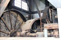 Gears inside dredge