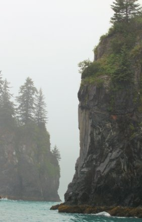 Rocky cliffs along Resurrection Bay