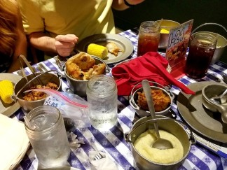 Dinner at Hatfield & McCoys Dinner Feud