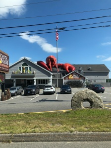 Giant lobster on roof of restaurant