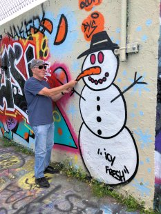 Phil pulling Frosty's nose