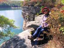 Jan relaxing on cliffs above Summersville Lake