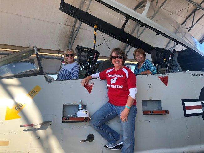 Jan, Roxi and Beth in F-14 Tomcat